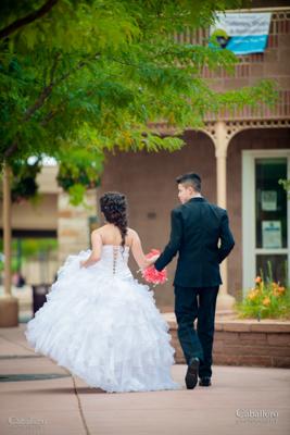 Fotografos en Denver y fotografos en Colorado que tomas fotos de Quinceañeras.